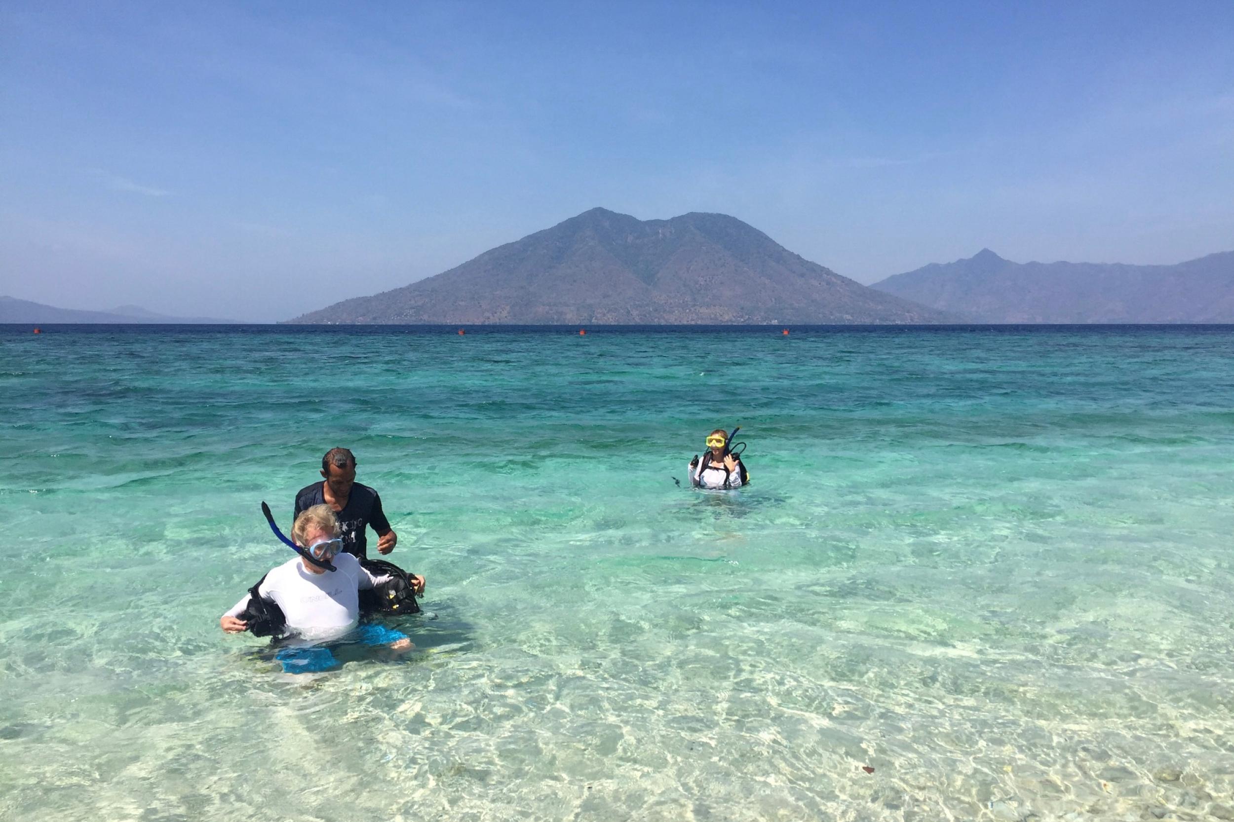 Shore diving at Sebanjar beach 1