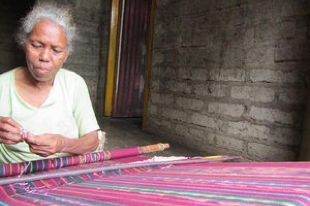 Textile Tour Alor