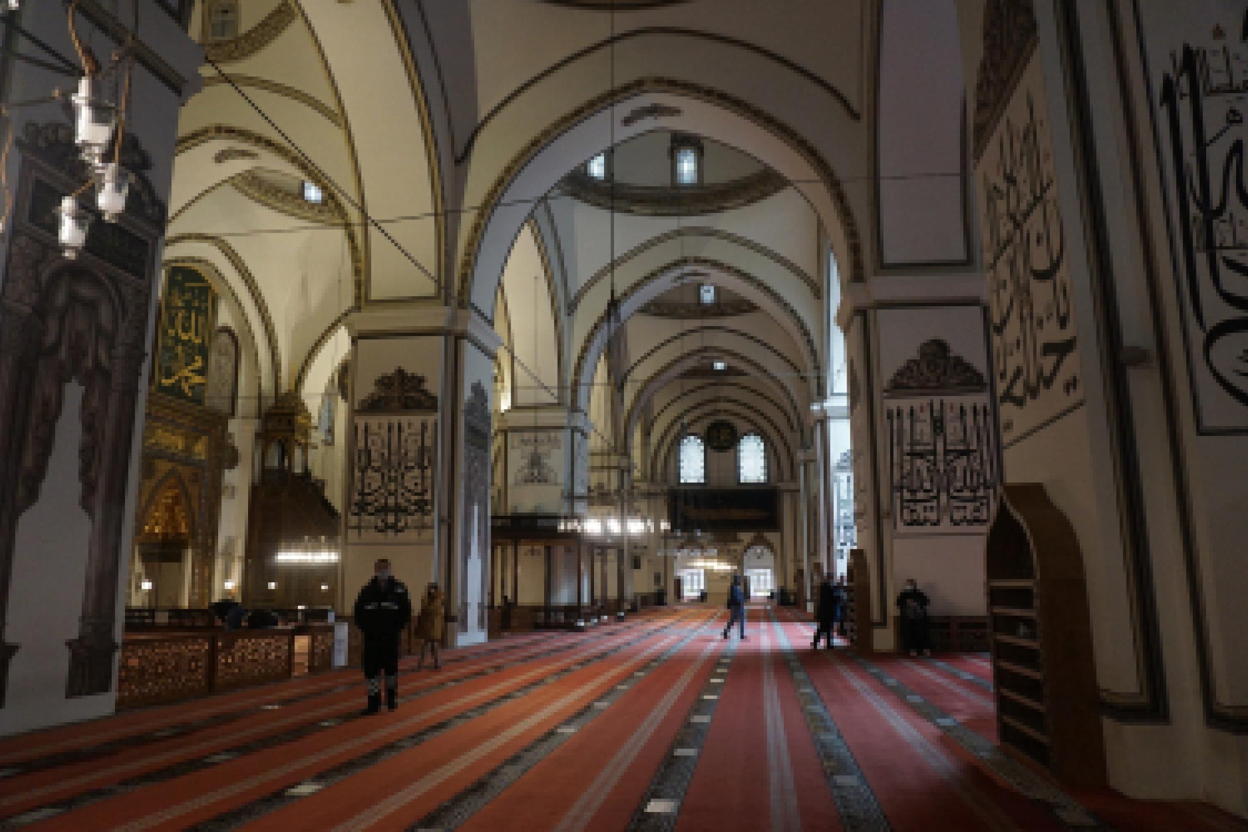 interior Grand Mosque - Bursa 1